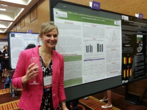 Charlene presenting her research at the ASEV industry-student mixer